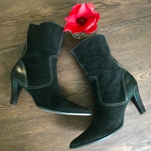 Unisa Black Suede & Leather Zip up Booties w/heel